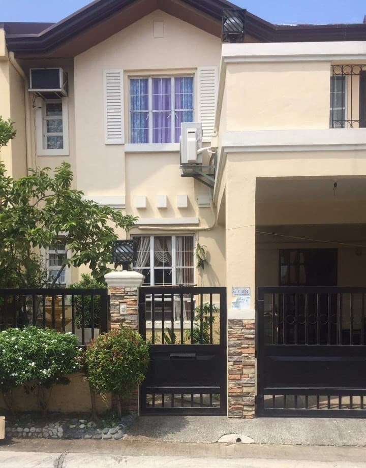 Comfortable, Secure & Convenient Home Near Alabang