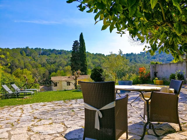 Room en suite in stone village house - La Colle-sur-Loup - Ev
