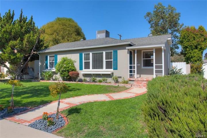 Bright & spacious home for you!