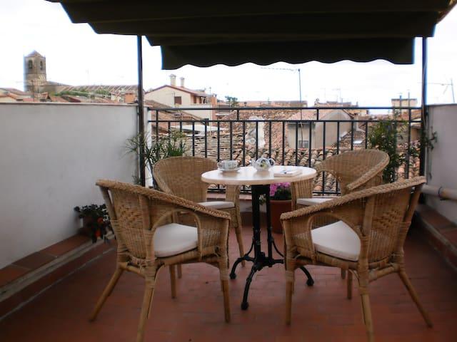 CascoViejo Estudio Ático con terraza