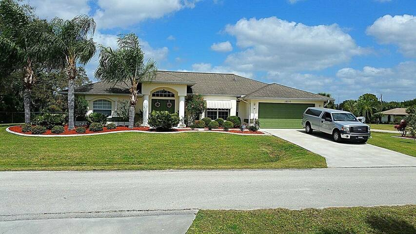 Warm vacation getaway - Port Charlotte - House