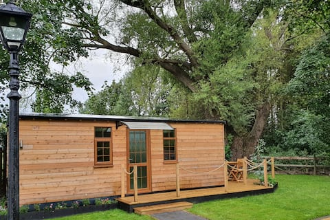 Kingsley Glamping Pods - The Willow Pod