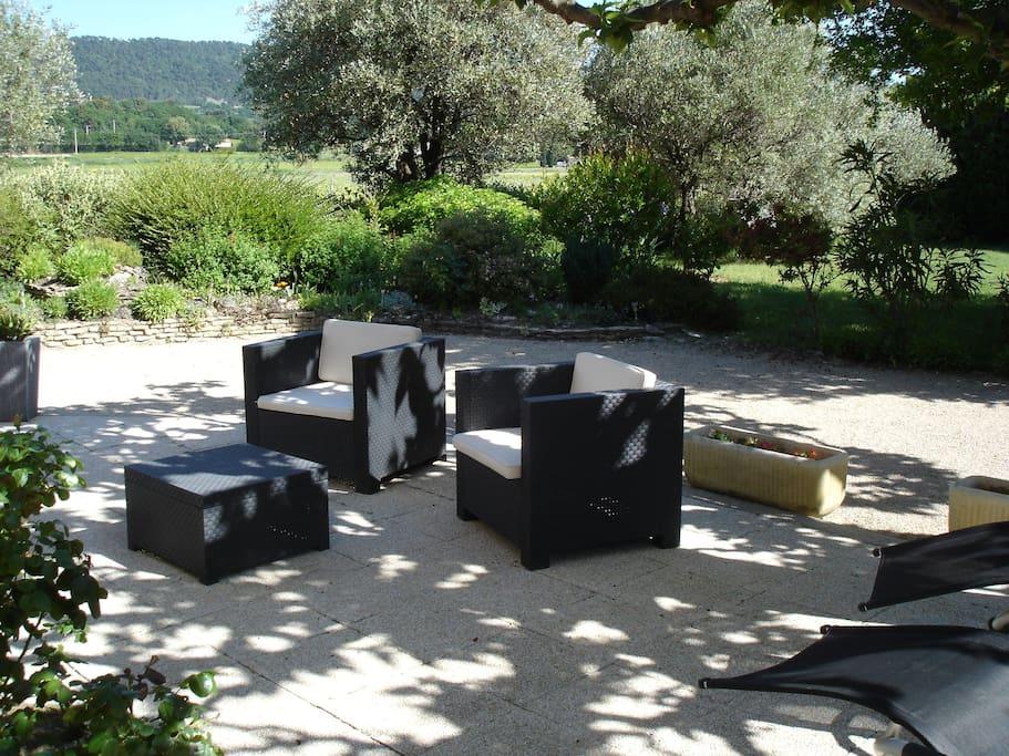 nouveau s guret appart 60m2 r nov rez de jardin appartamenti in affitto a seguret provenza. Black Bedroom Furniture Sets. Home Design Ideas