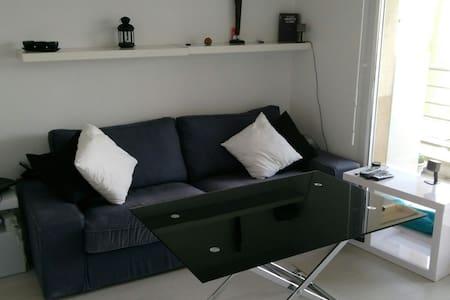 Studio 30m² avec balcon et parking privé - Plaisir