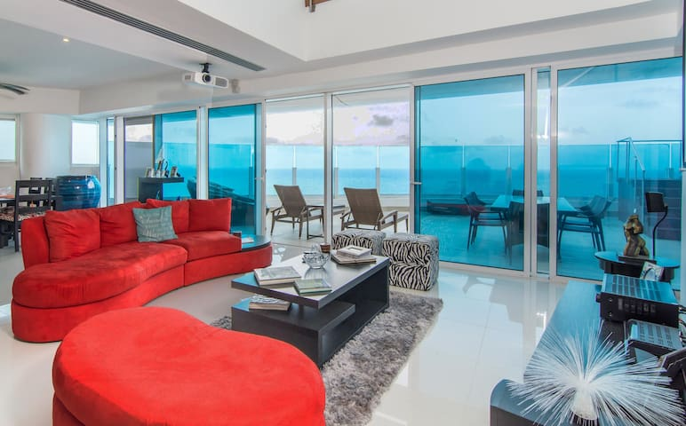 Penthouse on Waterfront Malecon Dis - Santo Domingo - Apartemen