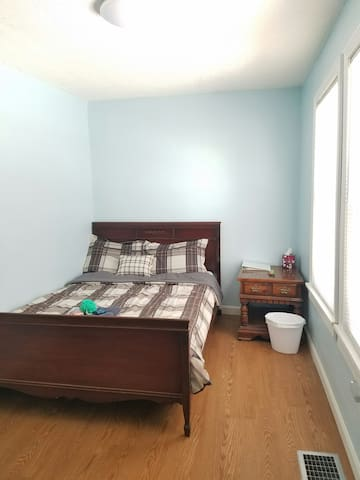 Comfortable Room in Single House in Lowell - Lowell