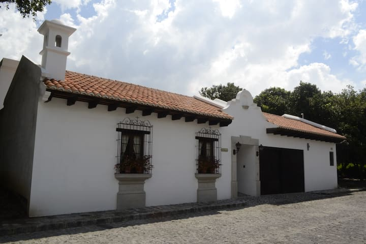 Antigua Guatemala: Beautiful house. - San Miguel Dueñas - House