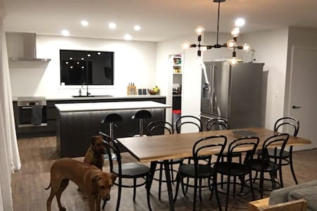 2 large double bedrooms - beautiful brand new home - 林肯(Lincoln) - 獨棟