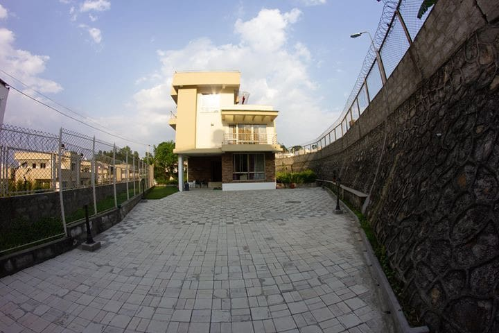 HOUSE FOR RENT@VINAYAKCOLONY (6 MONTHS OR MORE)