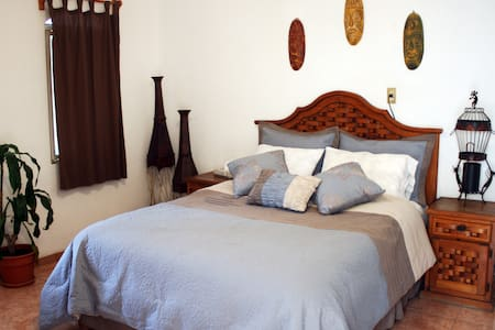 Hostal Casa Blanca ( B&B) Room w Shared bath.