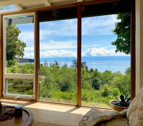 Ocean View Otter Point Family Home - No Clean Fee