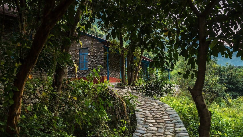 The Vanghat Lodge, Stone Cottage Jim Corbett