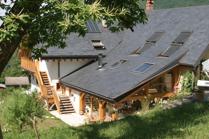 Grande maison isolée en pleine nature - Cusy - Rumah