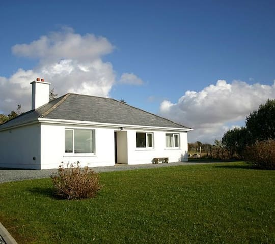 Cashel 266 Waterside Cottage