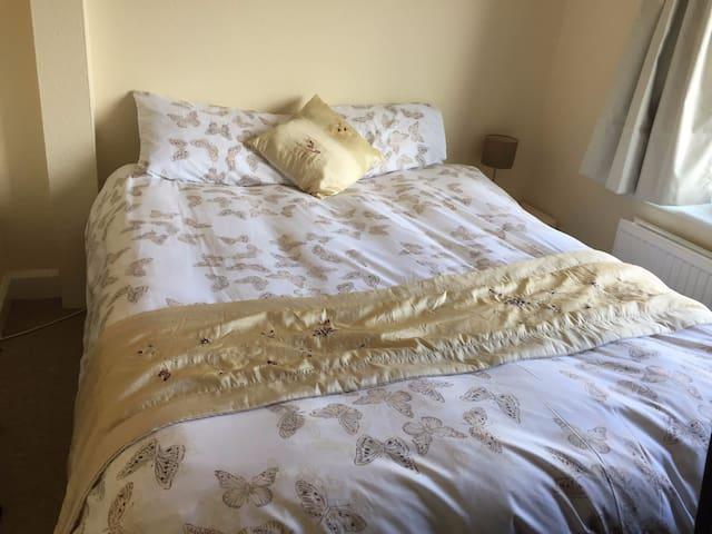 Central & luminous double room - Cambridge - Apartemen