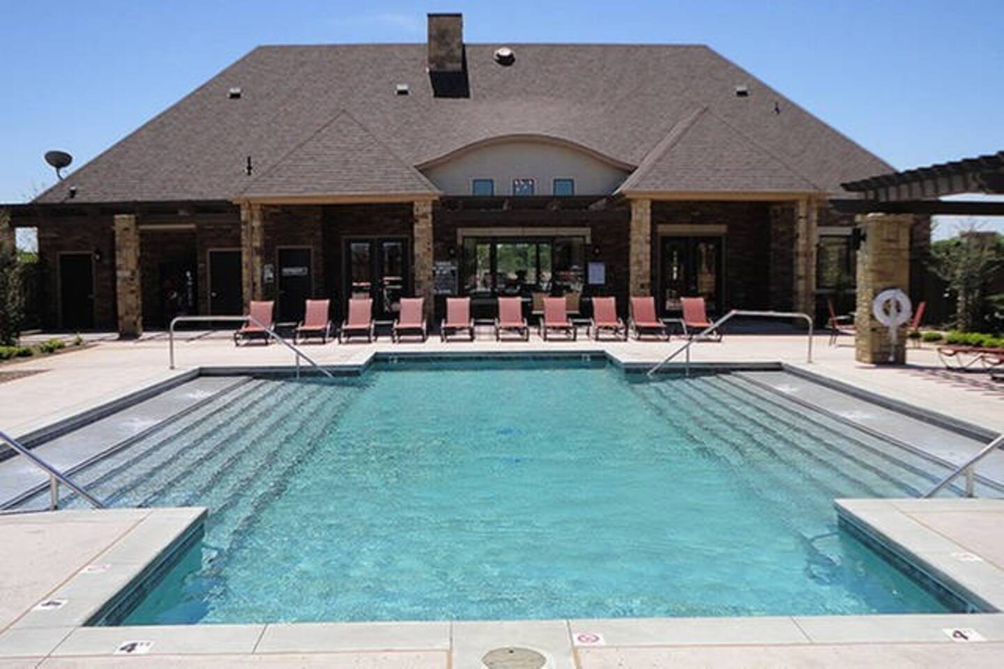 Zoe\'s Hideout - Gated Property - Apartments for Rent in Oklahoma ...