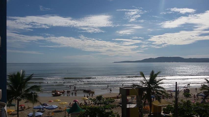 Vista espetacular da praia!! - Itapema - Byt