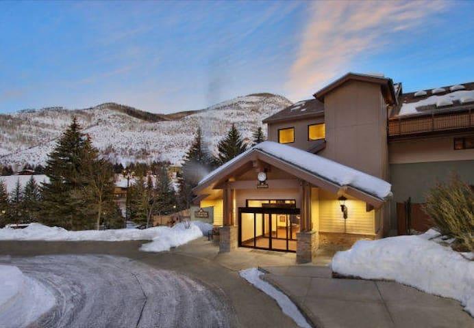 Amazing Villa at Ski Resort, hot tub, gym, pool