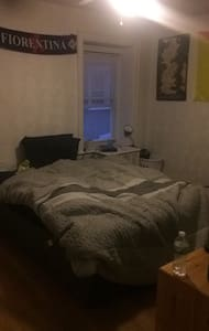 Single room full bed West Philly - 费城 - 独立屋