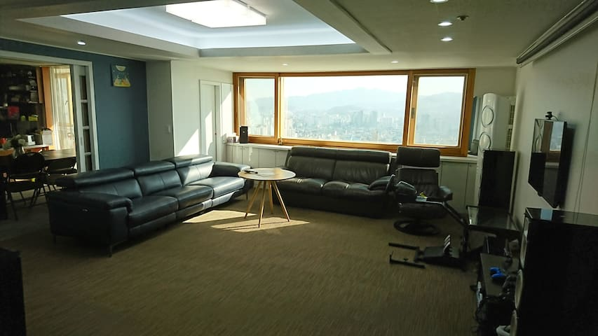 Nice view, Clean & Comfort house! private room.