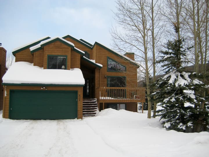 3 Bedroom, pet friendly home at Mountainside