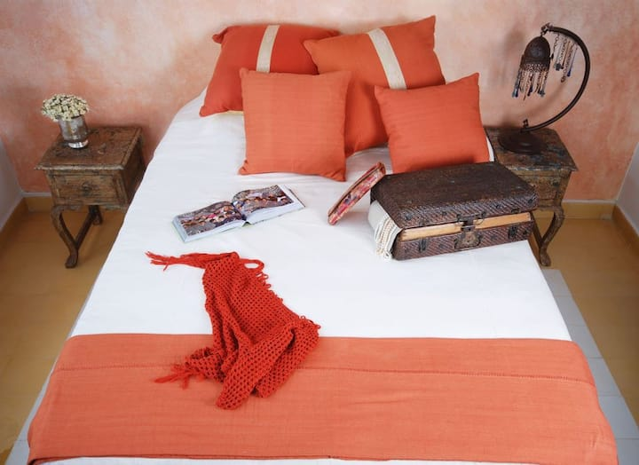 Charming Room at Hotel Boutique with rooftop view