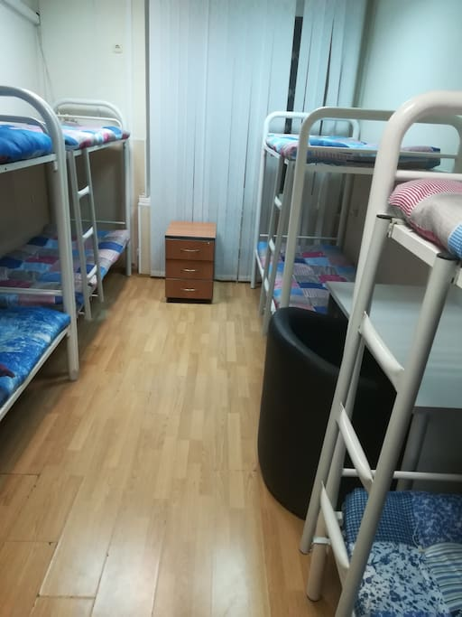 кровать в женском 8ми местном номере