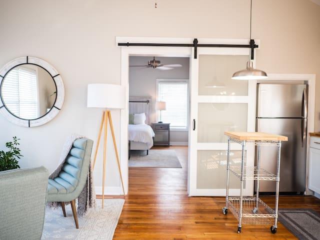 Stylish one bedroom loft in downtown Richmond