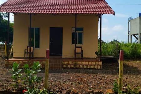 BTR Studio Villa, Malshej