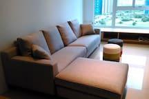 300公分L型大沙發與兩個馬卡龍小座椅