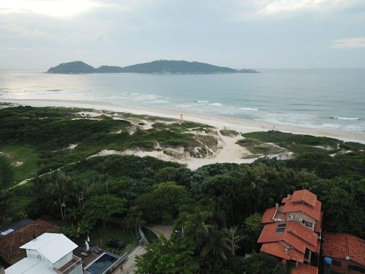 Apto encantador em frente a praia do Campeche