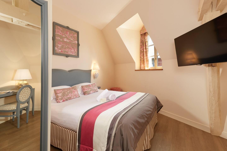 Belle chambre double cosy avec poutres apparentes - Boutiques-hôtels ...