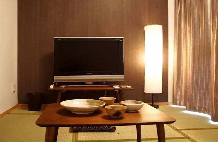 华丽庭院酒店公寓(Tiara Court West Private Apartment)