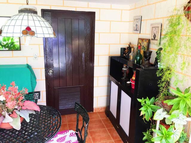 Casa Rompe Olas room 3