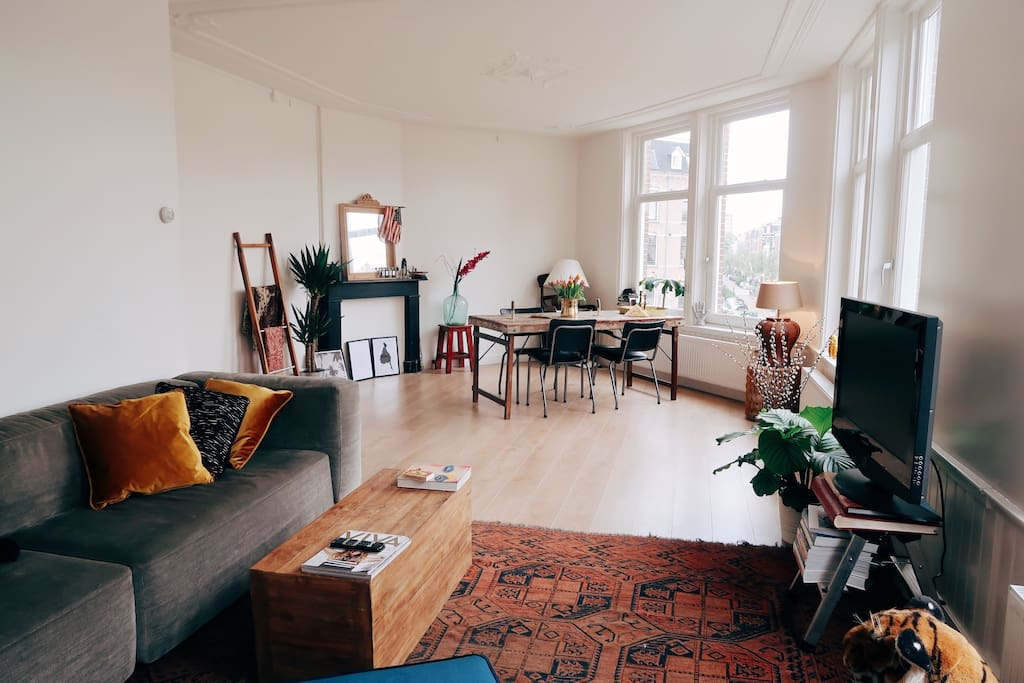Huge and super bright living room
