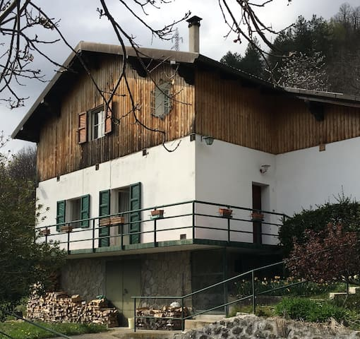 Warmly chalet in fantastic Tuscany - Sillano - Casa