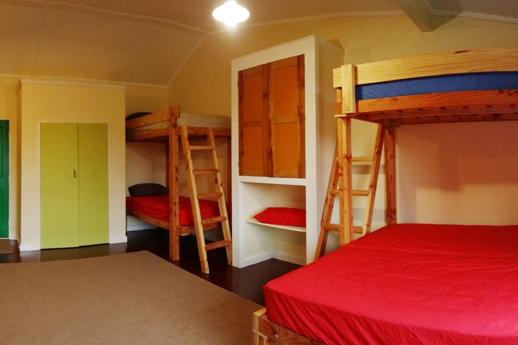Tui Studio Plus - adjoining bunk room for bookings of more than 2 people