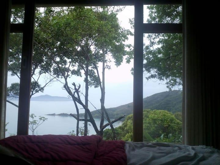 Acolhedora Casa no Morro -  linda vista para o mar