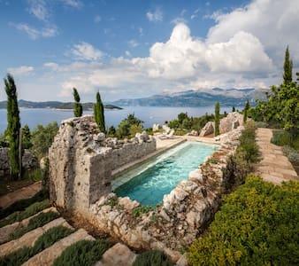 Oasis on the Dalmatian Coast - Lopud - Casa