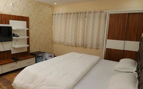 Business Deluxe Room at Ganga Forest View