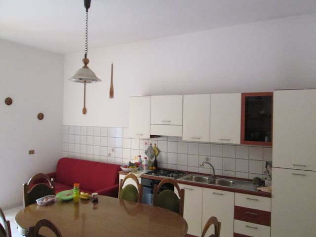 Ground floor apartment 100mt far from the sea !! - Capo d'Orlando - Apartamento