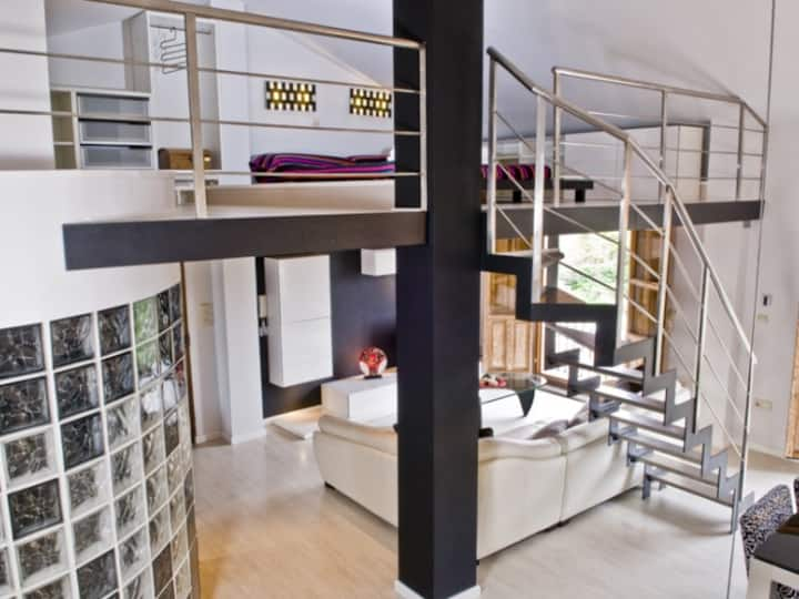 Modernise: Loft, views of the Alhambra Wall