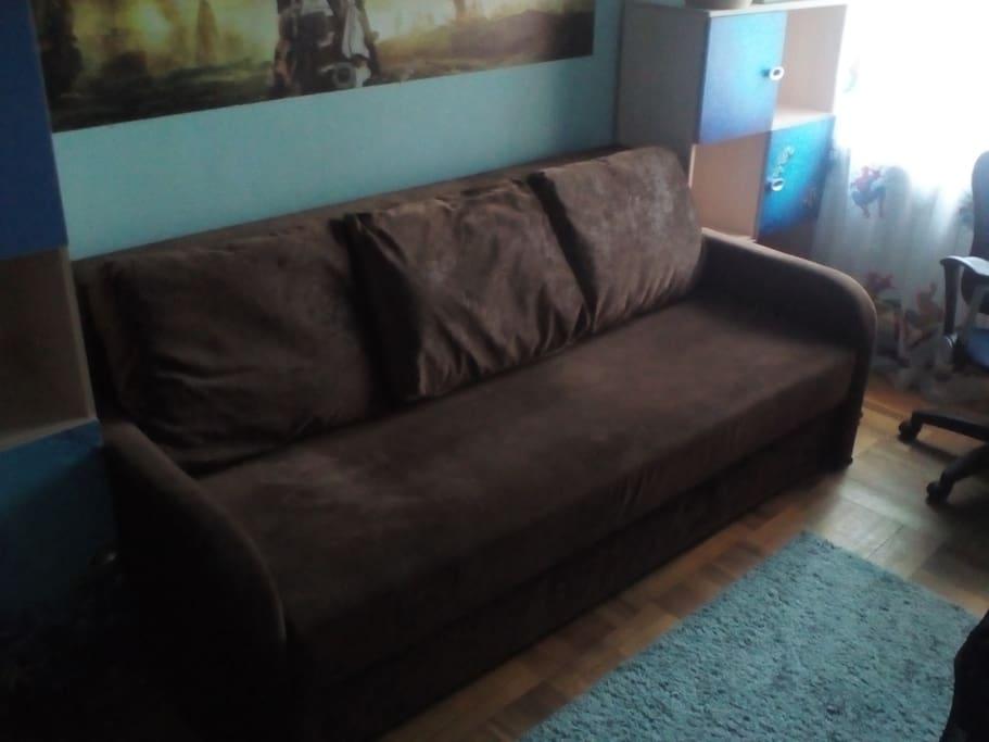 Спальня 2 (диван 2-х местный)