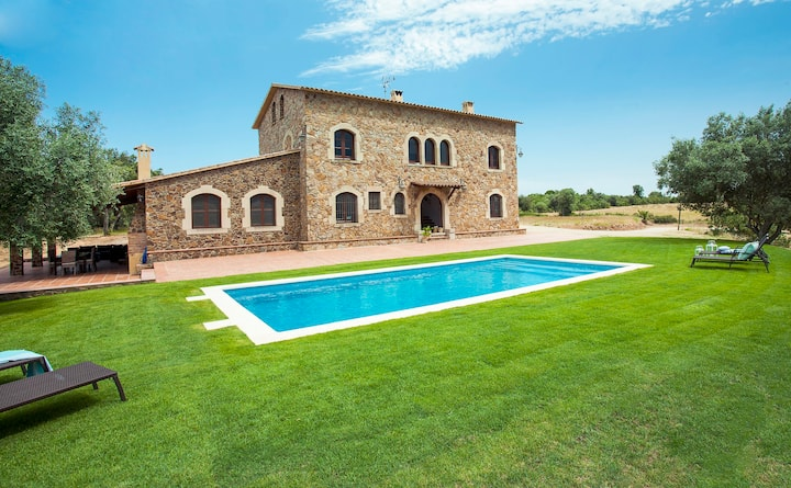 LLABIA HOUSE WITH SWIMMING POOL COSTA BRAVA