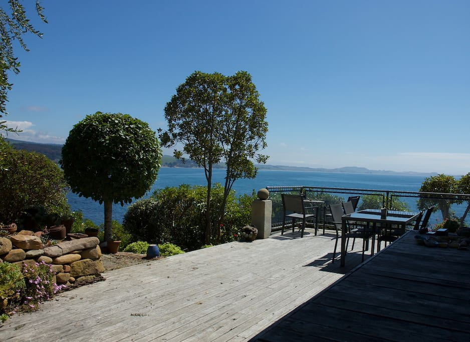 large deck off living and kitchen