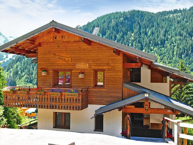 Holiday apartment in Châtel for 6 persons
