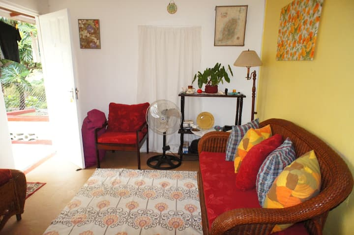 Comfort and relax vacation apartment, Marrast Hill