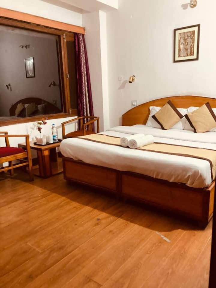 BUDGET FAMILY STAY FOR 5 PAX w VALLEY VIEW- SHIMLA