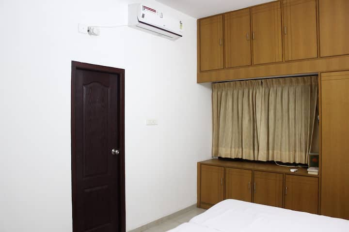 AC Room in Home incl all Meal