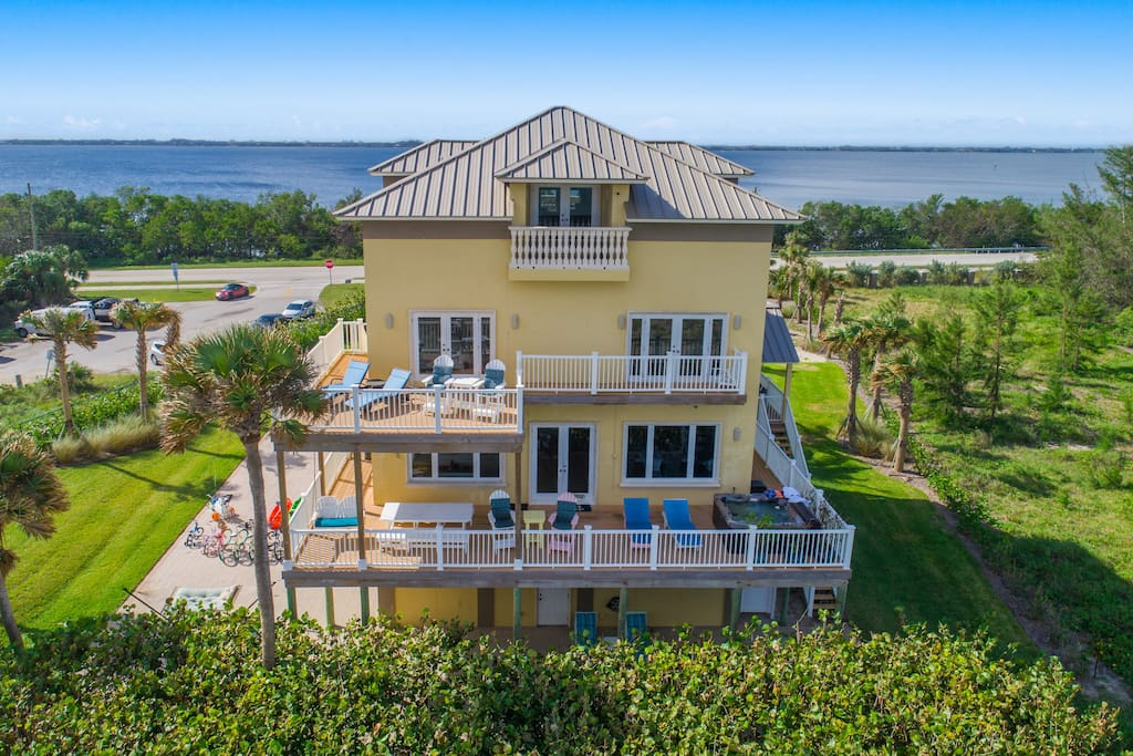 4 levels of oceanfront relaxation!